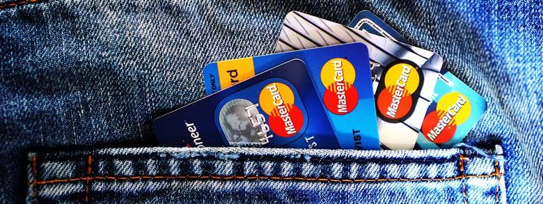 Comment résilier sa carte bancaire en toute simplicité ?