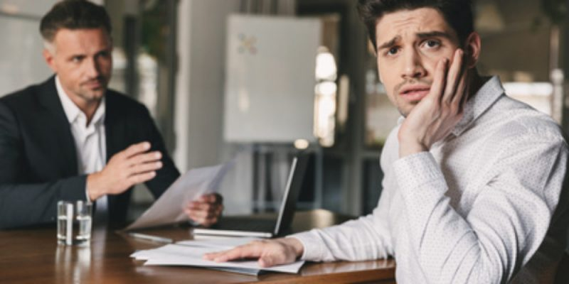 Qu'est un compte bancaire débiteur et comment ça fonctionne ?